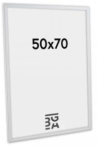 Line Hvit 50x70 cm