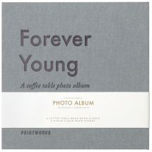 Forever Young (S) - A Coffee Table Photo Album (60 Svarte Sider / 30 ark)